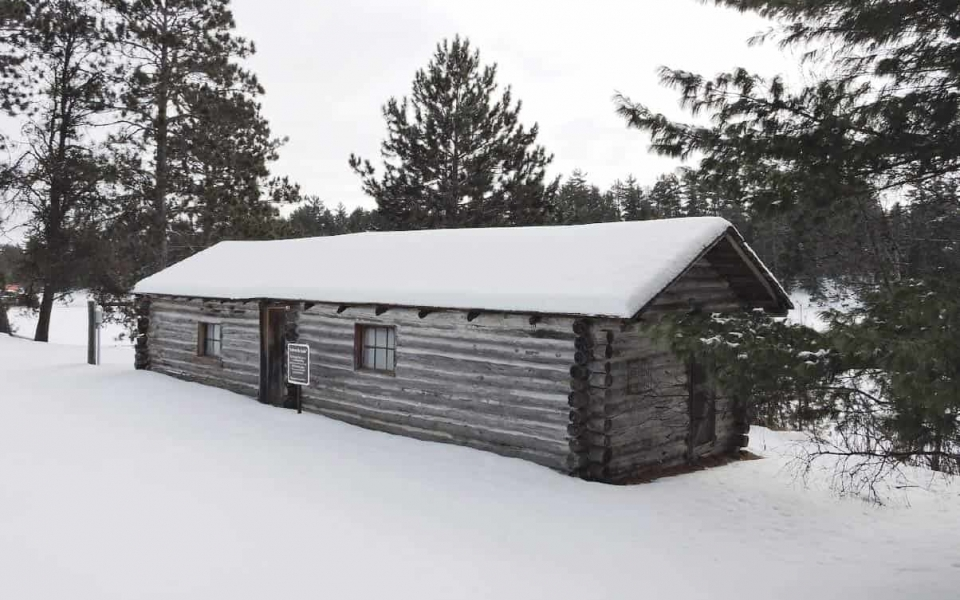 Kettle Falls Dam Tender's Cabin was built in 1910, photo by National Park Service.