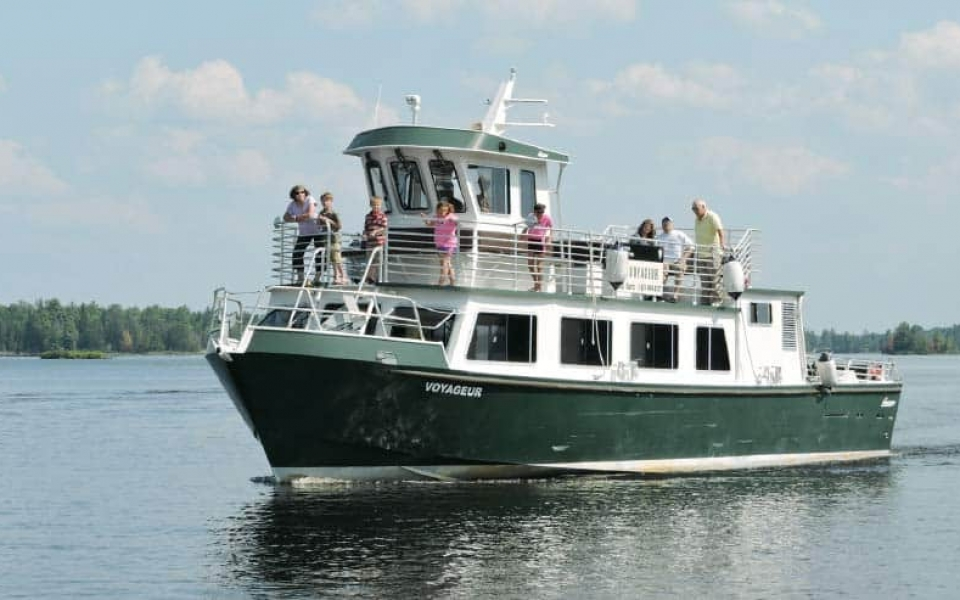 Voyageur tour boat on Rainy Lake, photo by National Park Service