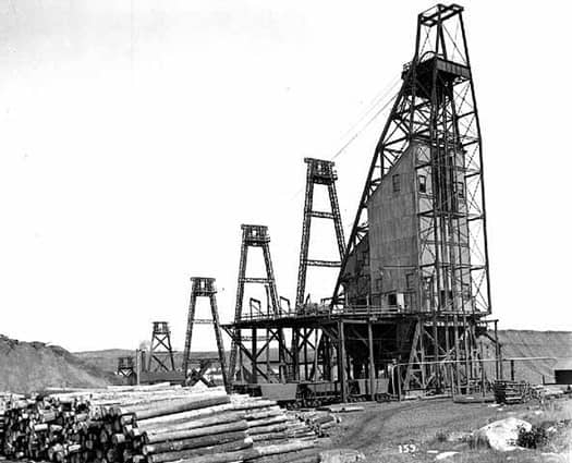 Sibley mine headframe, 1906, in Ely. Image courtesy StarTribune.com and the Minnesota Historical Society